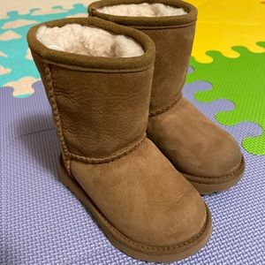 Toddler waterproof Ugg boots